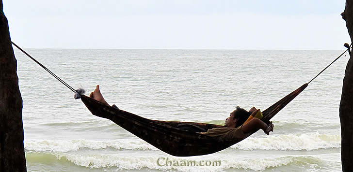 Relax at Cha-Am Beach