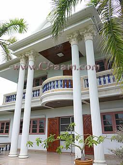 Villa with 2 balcony for sale