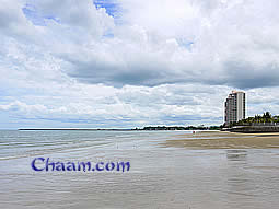 Beach view to luxury condos at Cha-Am beach