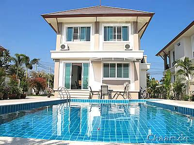 Rent Luxury Pool Villa
