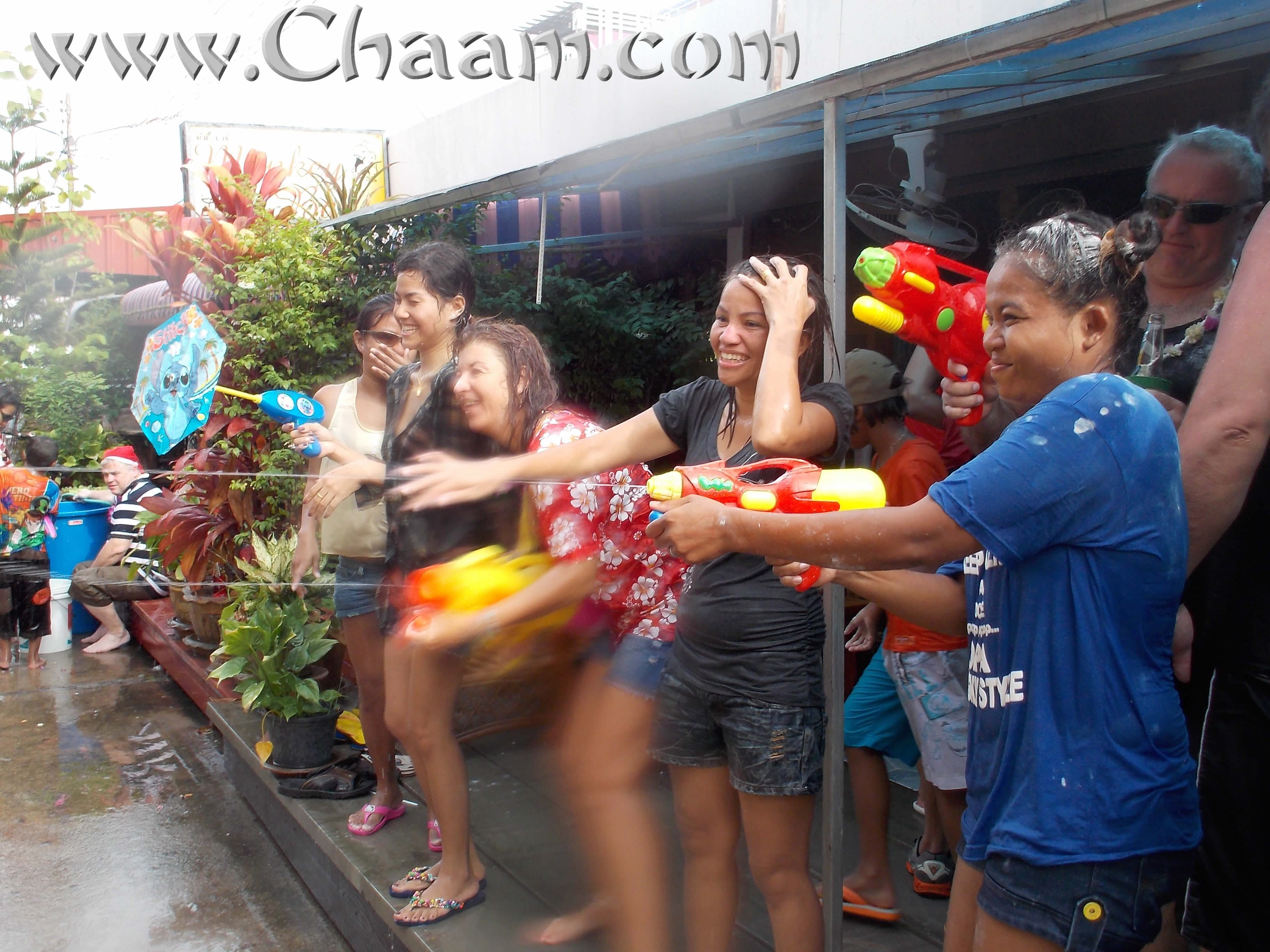 Songkran Cha-Am in Enjoy Bar