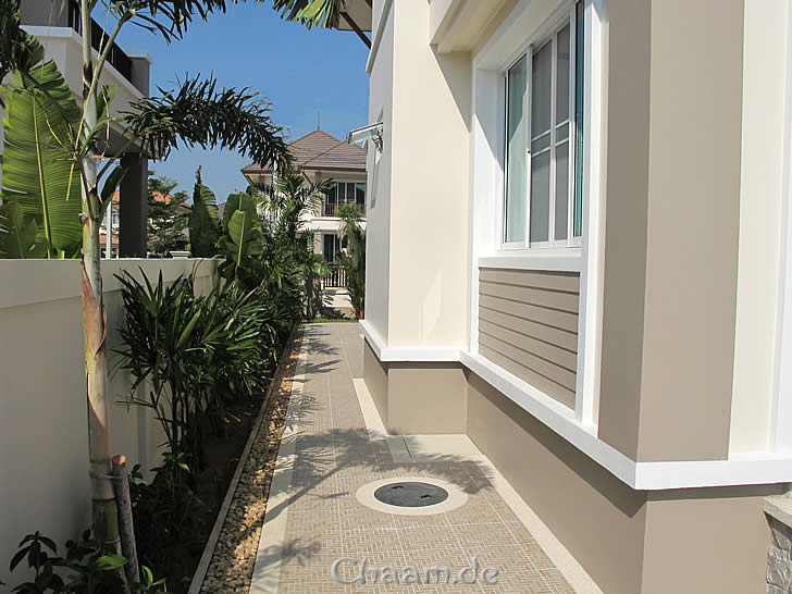 pool villa for rent in cha am thailand with jacuzzi. Black Bedroom Furniture Sets. Home Design Ideas